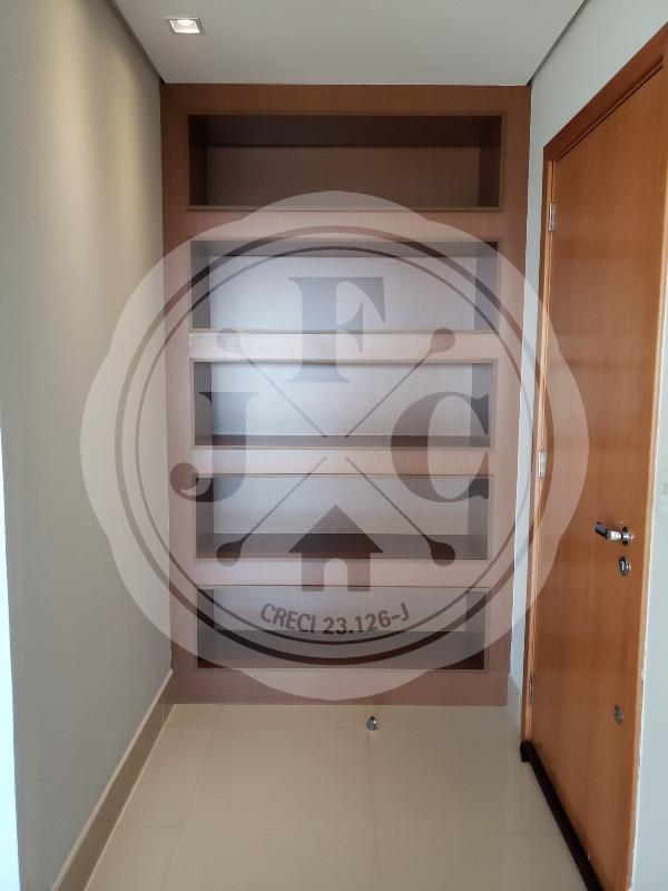 Apartamento para aluguel no Bosque das Juritis: hall de entrada