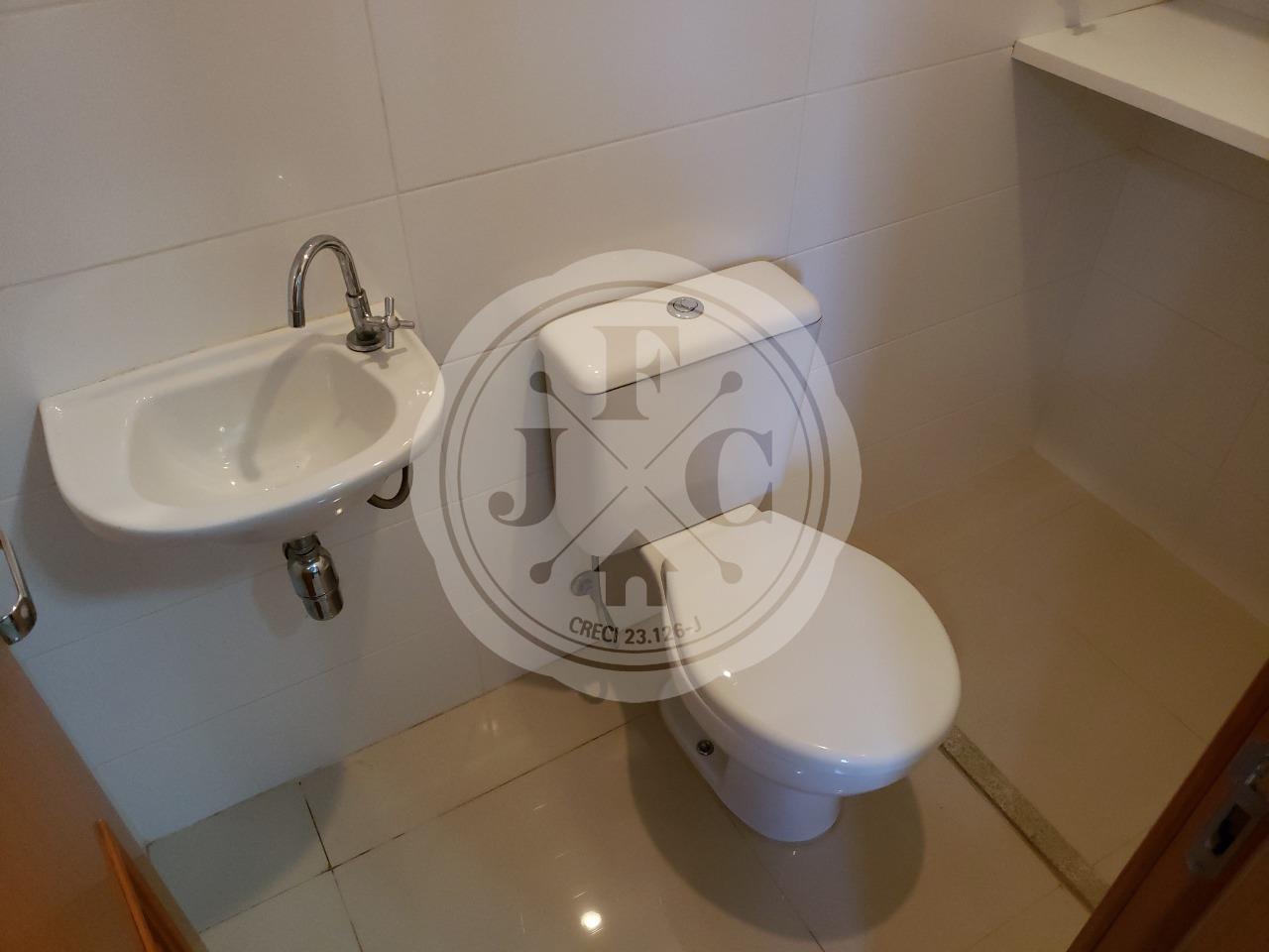 Apartamento à venda no Bosque das Juritis: banheiro de serviço
