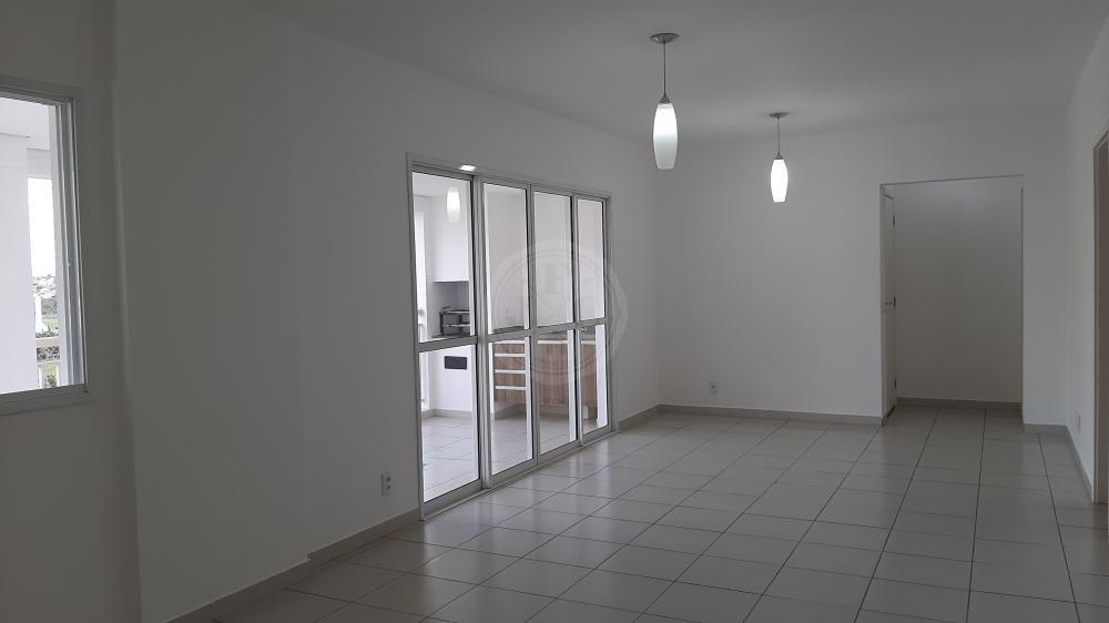 Apartamento à venda no Vila do Golf: Sala 3 Ambientes