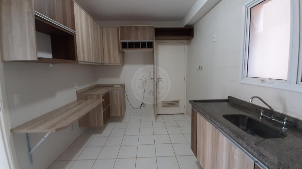 Apartamento à venda no Vila do Golf: Cozinha Planejada