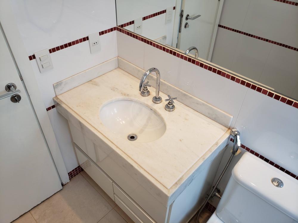 Apartamento para aluguel no Jardim Santa Ângela: Banheiro suíte 1