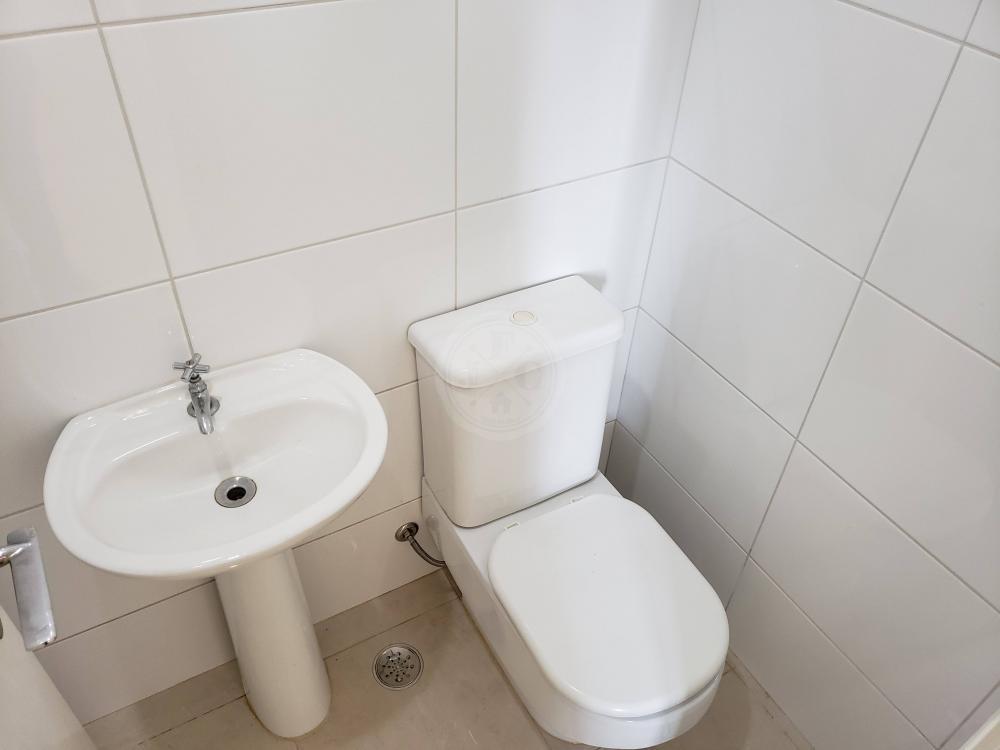 Apartamento para aluguel no Jardim Santa Ângela: Banheiro de serviço