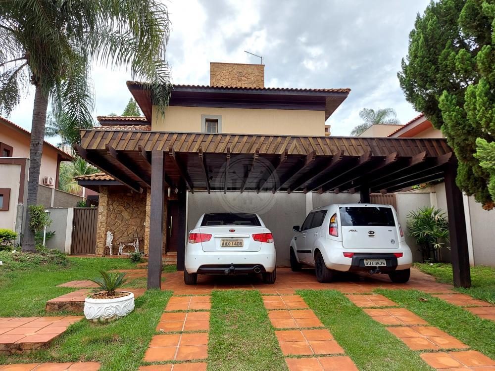 Casa a venda em condomínio com 4 dormitórios, varanda gourmet e piscina