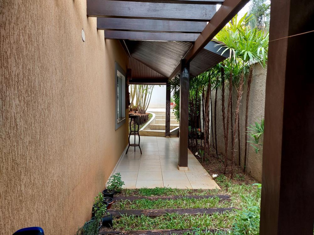 Casa à venda no Residencial Flórida: lateral
