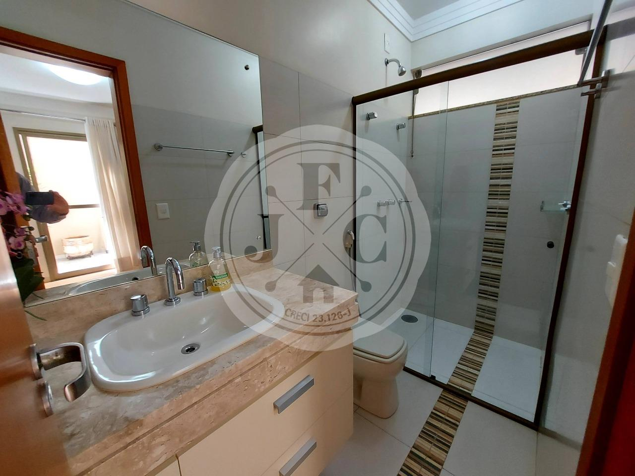 Casa em Condomínio à venda no Bosque das Juritis: Banheiro Suíte Office