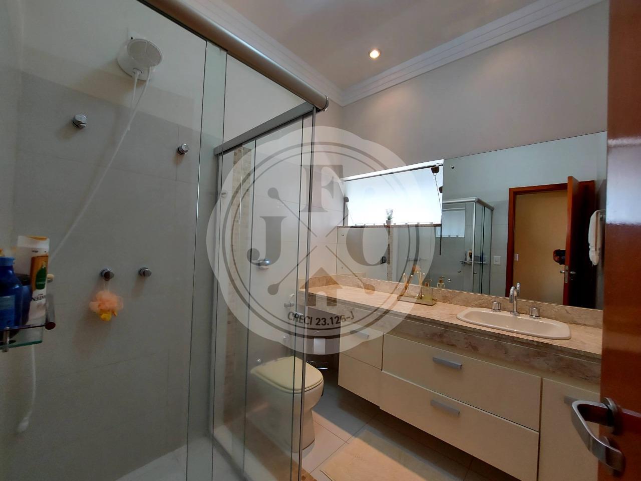 Casa em Condomínio à venda no Bosque das Juritis: Banheiro Suíte 2