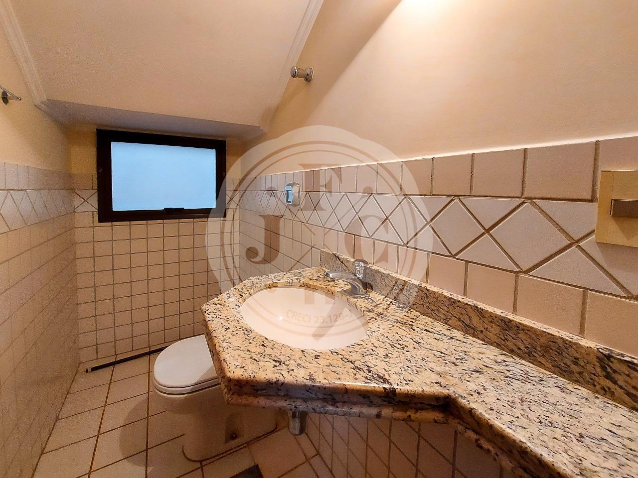 Casa em Condomínio à venda no Condomínio Santa Helena: Lavabo