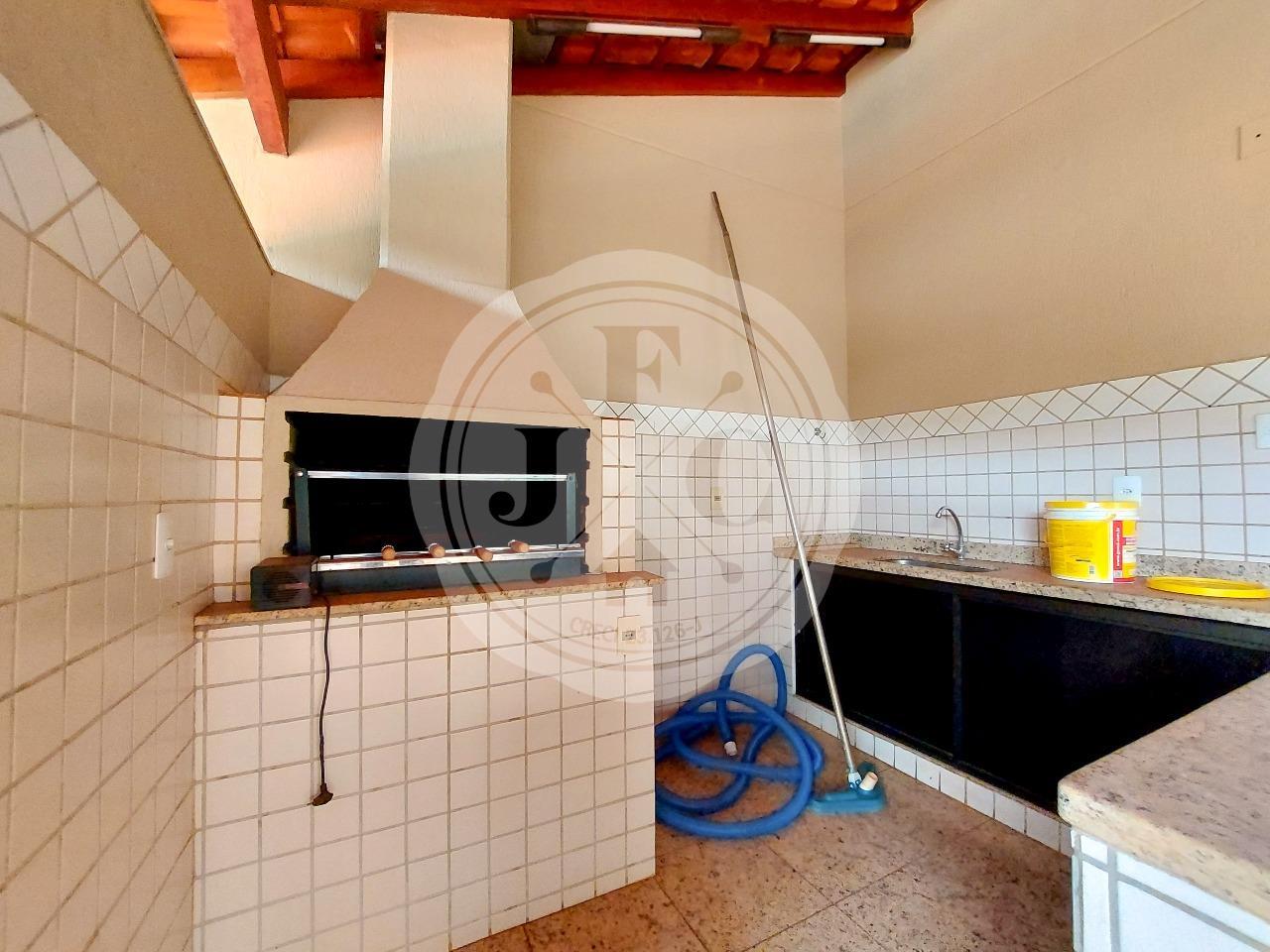 Casa em Condomínio à venda no Condomínio Santa Helena: Churrasqueira