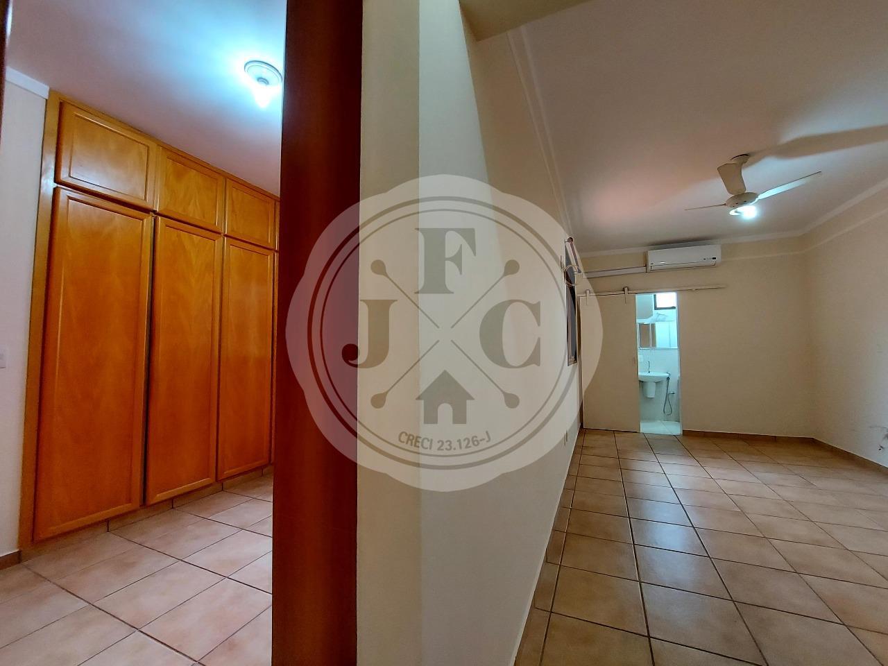 Casa em Condomínio à venda no Condomínio Santa Helena: Suíte 1