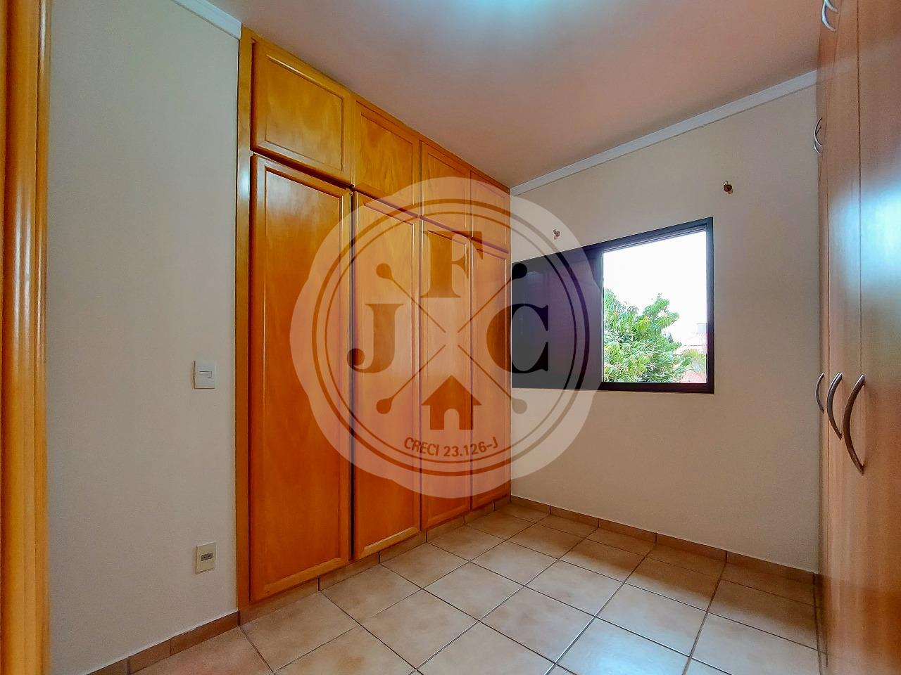 Casa em Condomínio à venda no Condomínio Santa Helena: Suíte 3