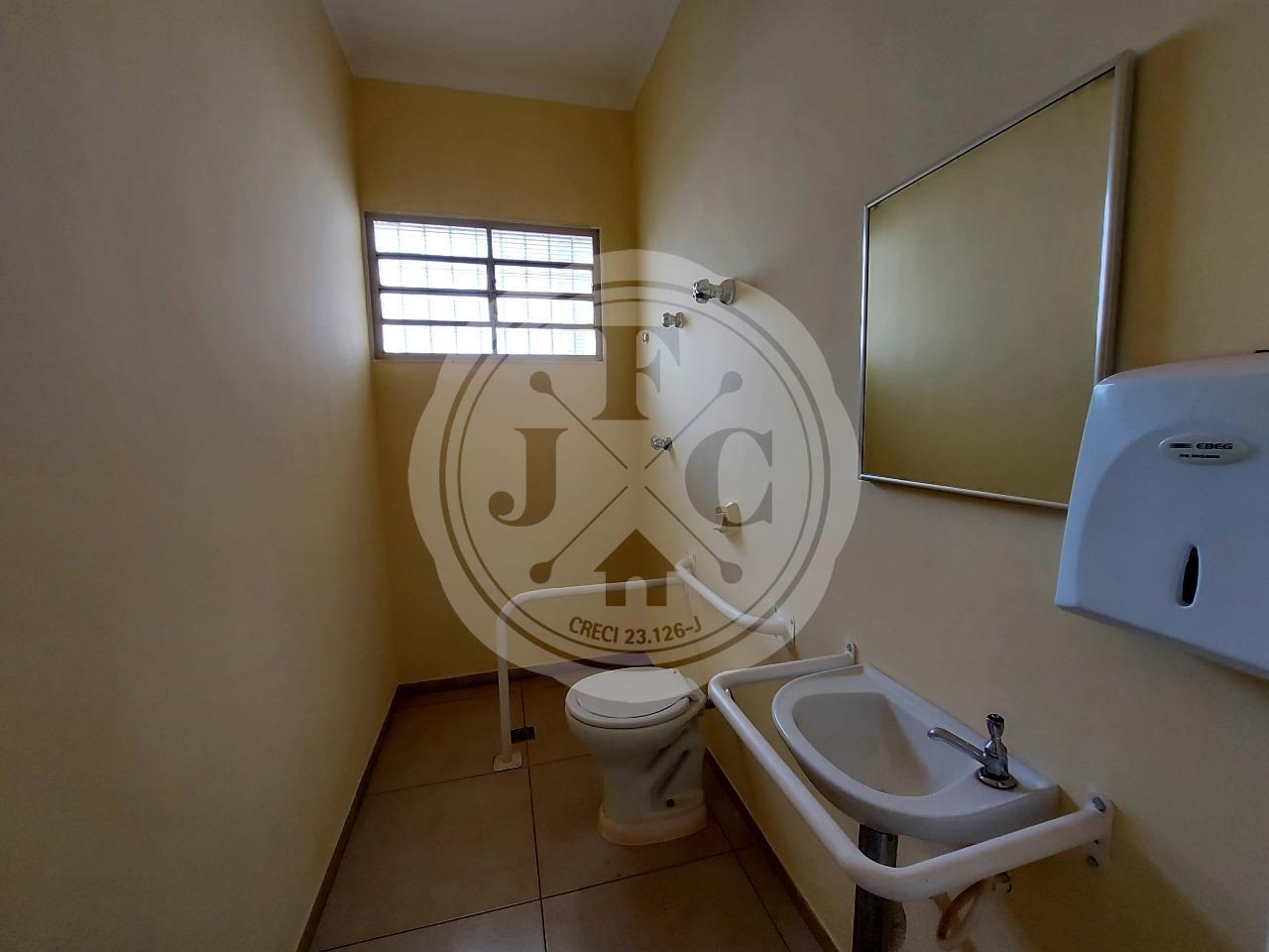 Casa para aluguel no Alto da Boa Vista: Banheiro PcD