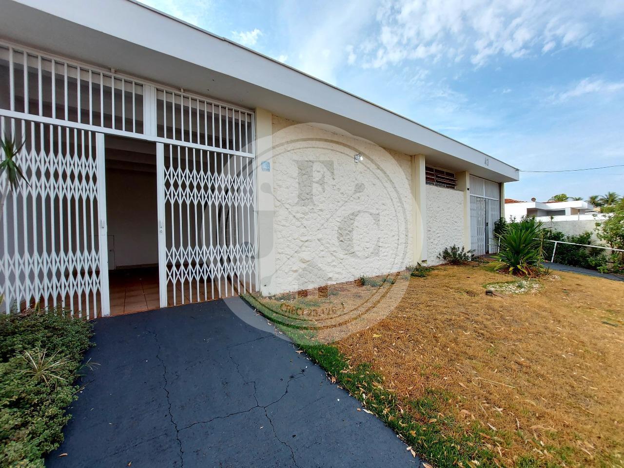 Casa para aluguel no Alto da Boa Vista: Entrada Esquerda