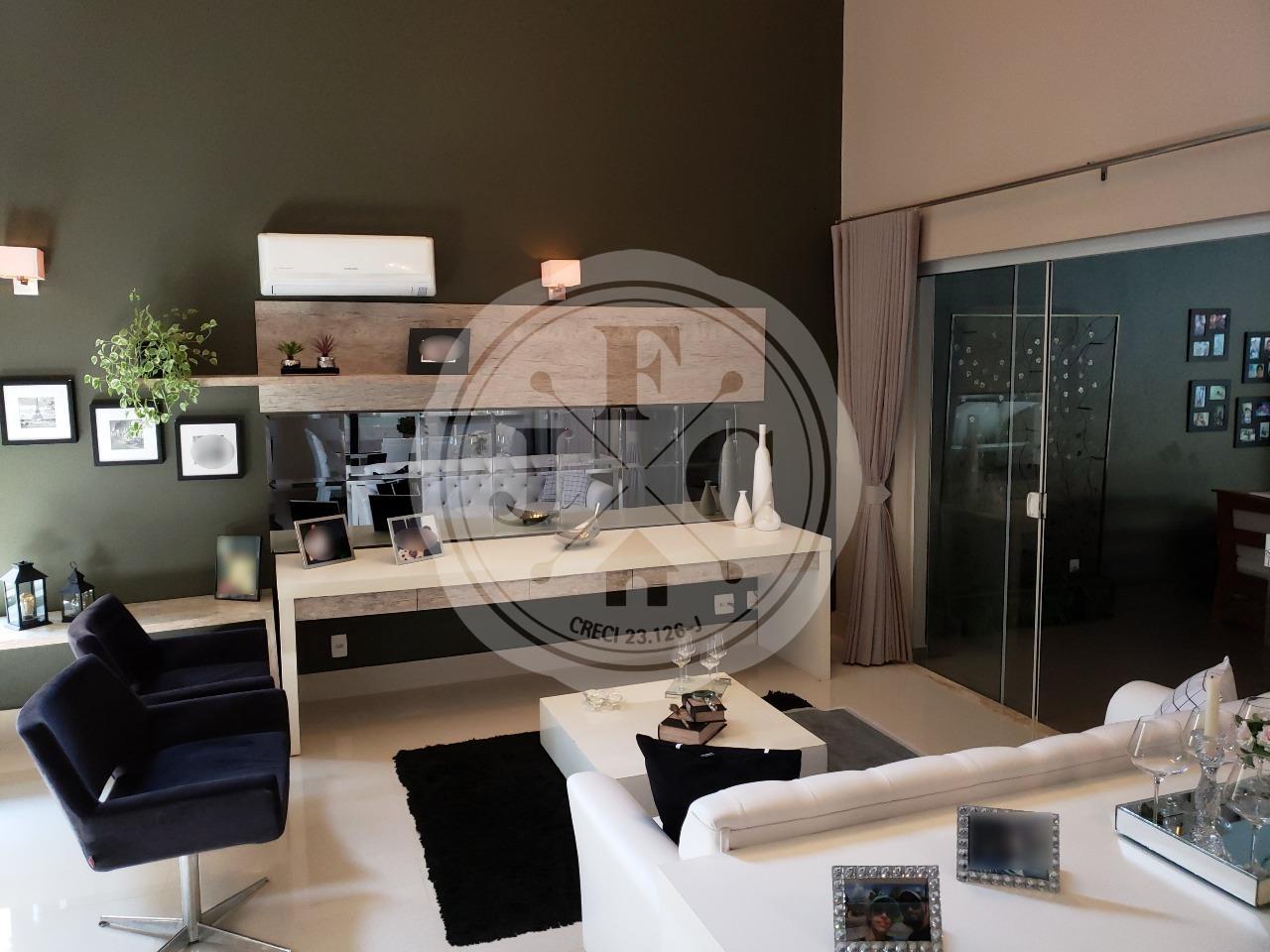 Casa em Condomínio à venda no Vila do Golf: living dois ambientes