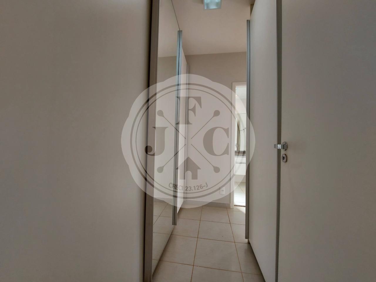 Apartamento à venda no Vila do Golf: Suíte 1 Closet