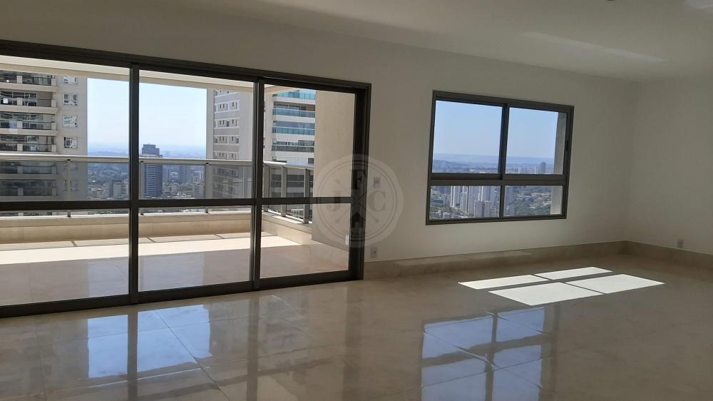 Apartamento alto padrão com quatro suítes no Morro do Ipê.