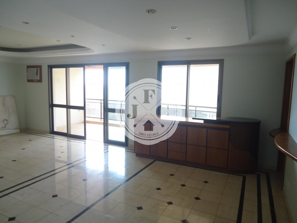 Exclusivo apartamento para locação com 3 suítes na Avenida João Fiusa.