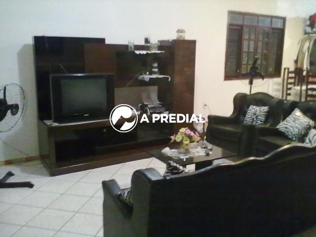 Casa para aluguel no Sabiaguaba: