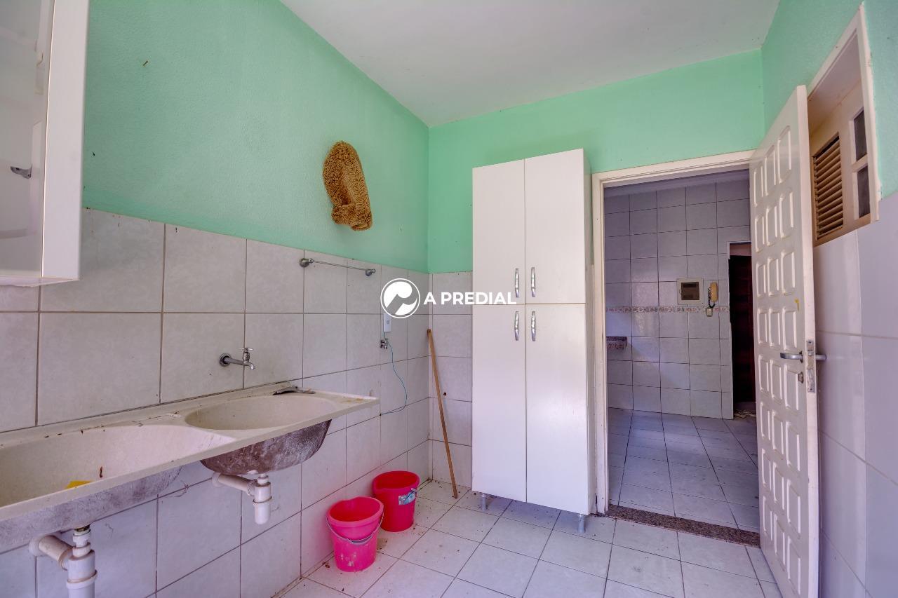 Casa para aluguel no Cidade dos Funcionários: