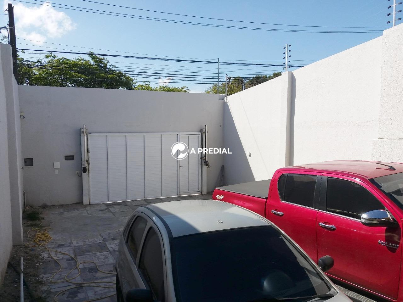 Casa para aluguel no Maraponga: garagem Casa Maraponga