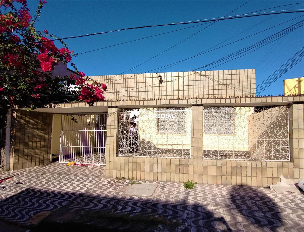 Casa para aluguel no Centro: fachada
