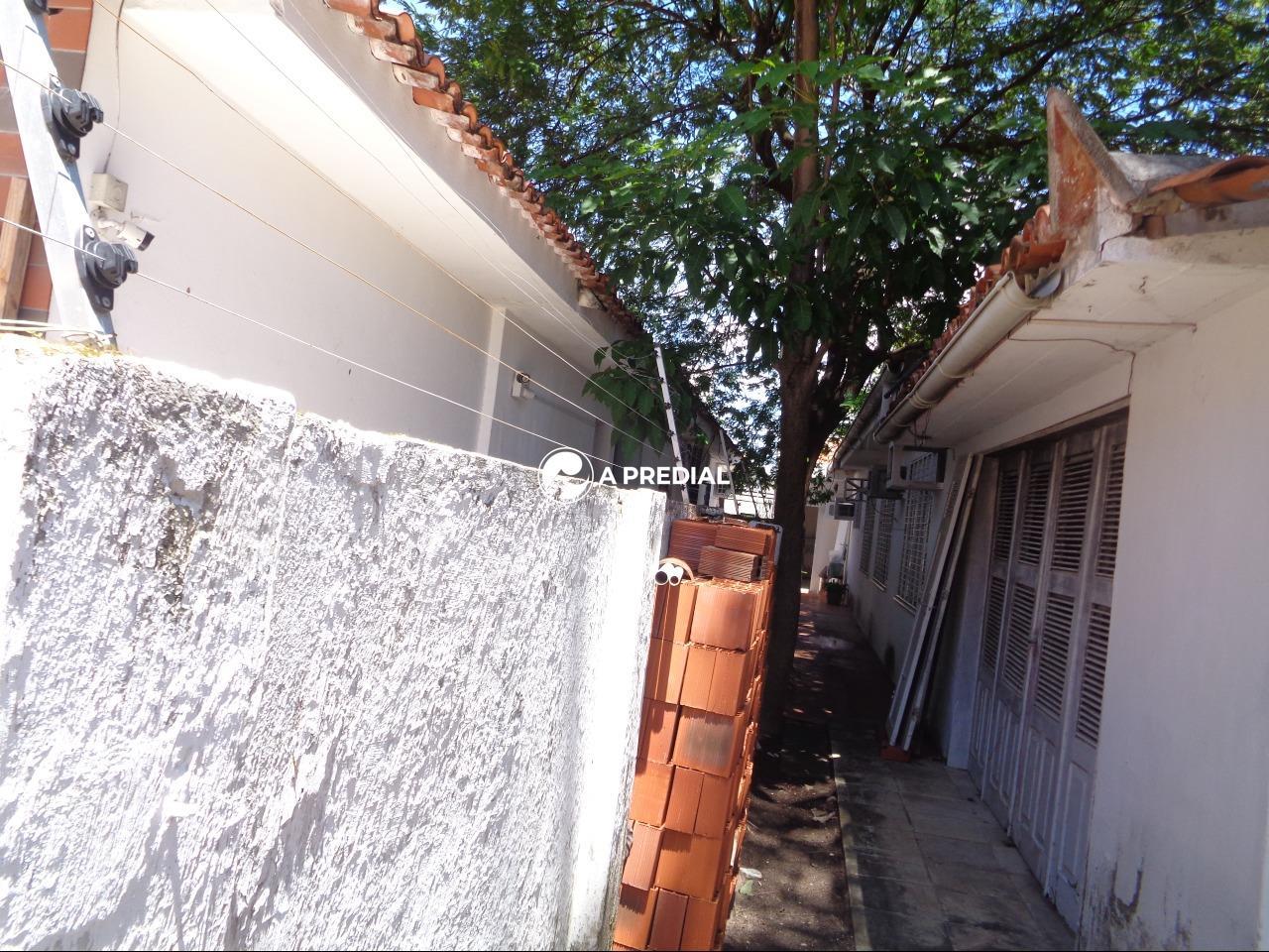 Casa à venda no Joaquim Távora: