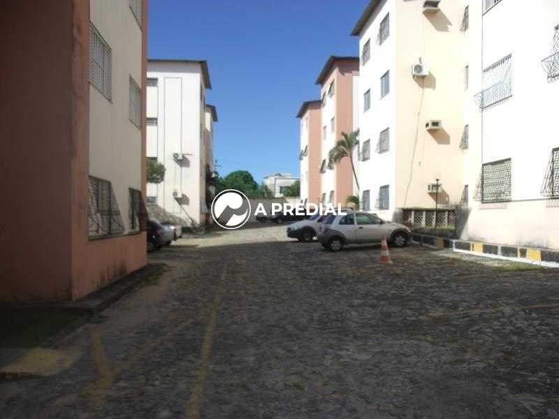 Apartamento à venda no Cidade dos Funcionários: