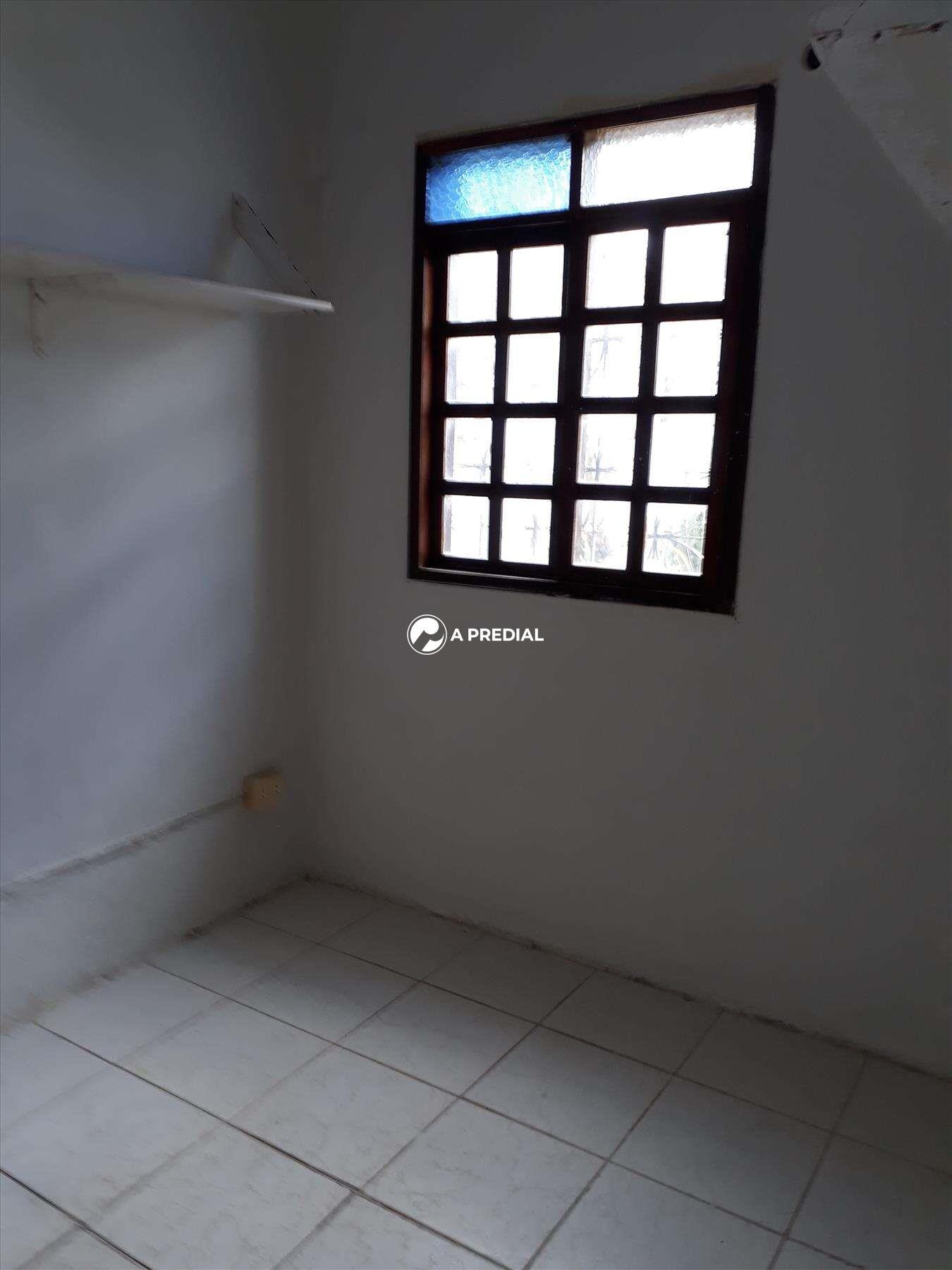 Casa à venda no Cambeba: QUARTO