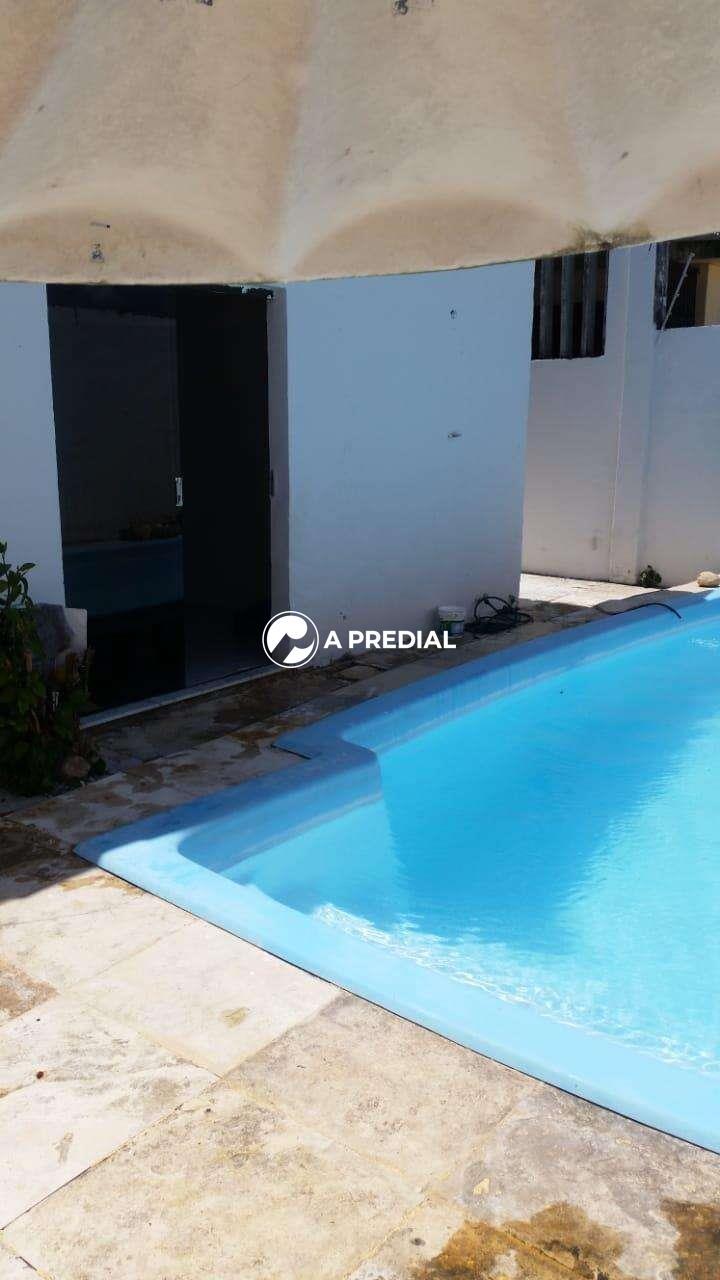 Casa à venda no Cambeba: PISCINA