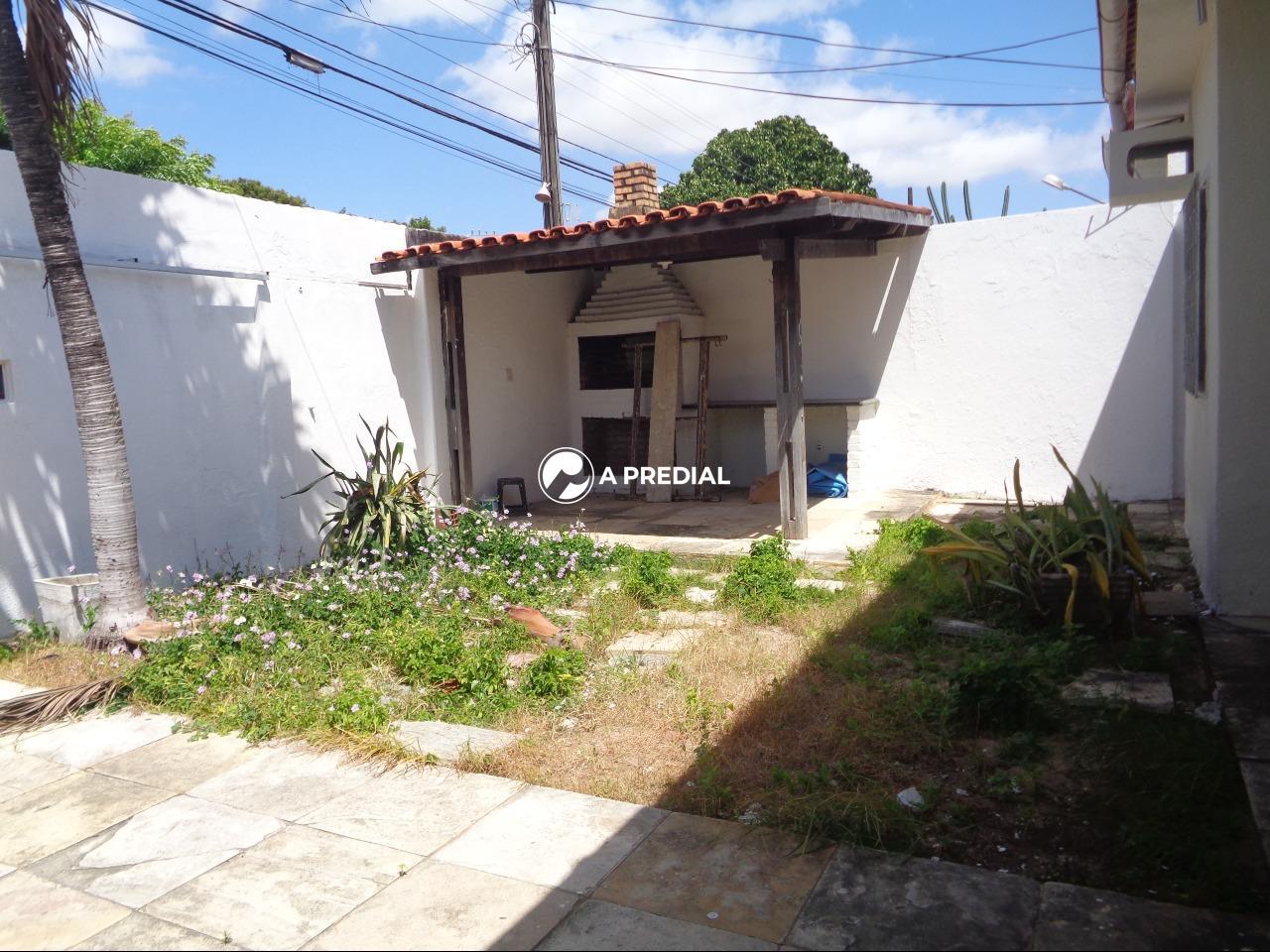 Casa à venda no Cambeba: DECK CHURRASQUEIRA
