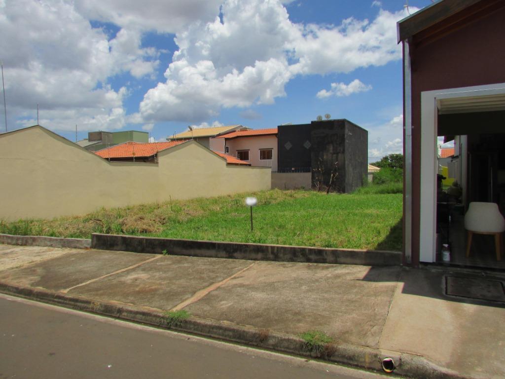 Terreno para comprar, no bairro Pompéia em Piracicaba - SP