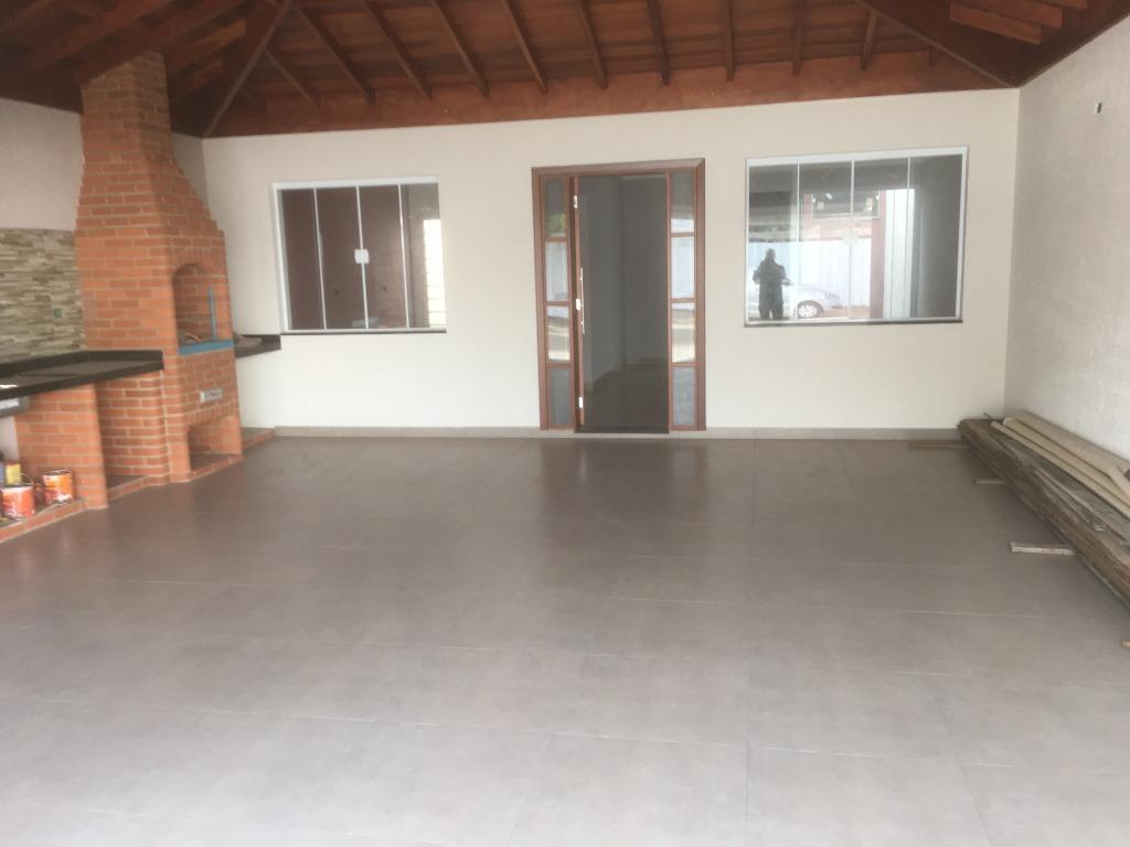 Casa para comprar, 3 quartos, 1 suíte, 2 vagas, no bairro Água Branca em Piracicaba - SP