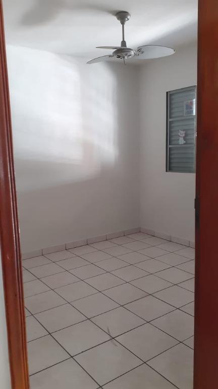 Casa para comprar, 3 quartos, 4 vagas, no bairro Santa Terezinha em Piracicaba - SP