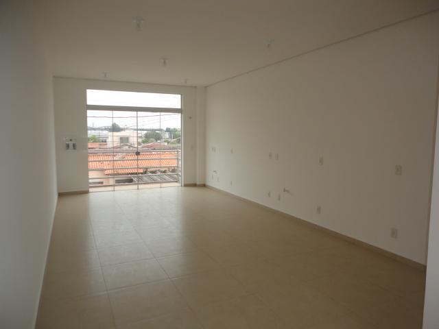 Salão para alugar, no bairro Vila Kennedy em Rio das Pedras - SP