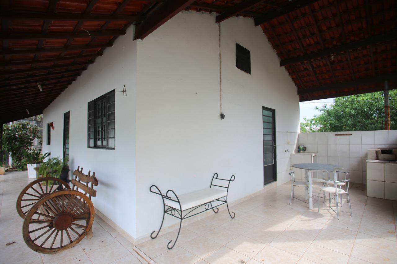 Chácara para comprar, 4 quartos, 1 suíte, 10 vagas, no bairro Pompéia em Piracicaba - SP
