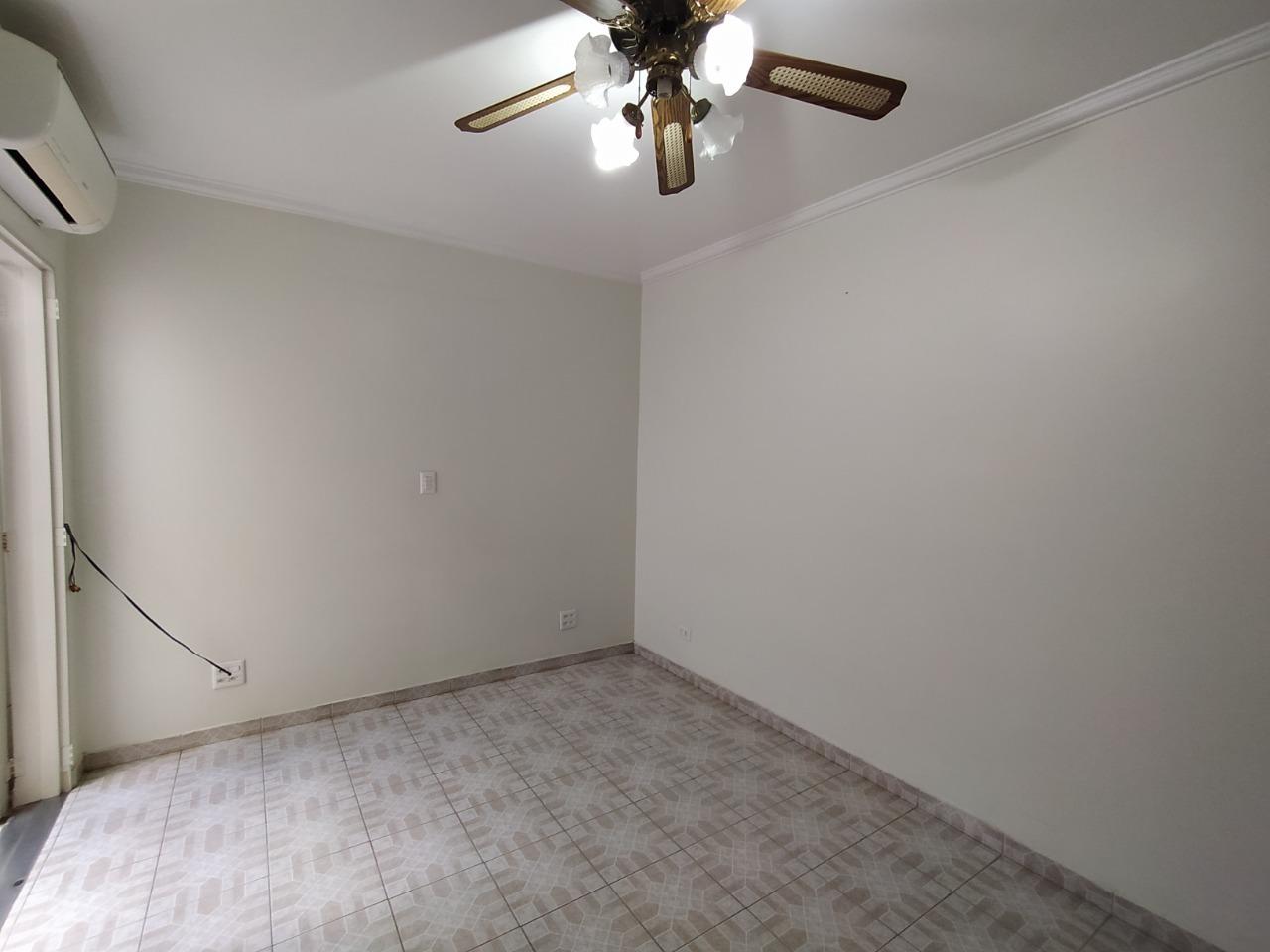 Casa para comprar, 2 quartos, 1 suíte, no bairro Centro em Piracicaba - SP
