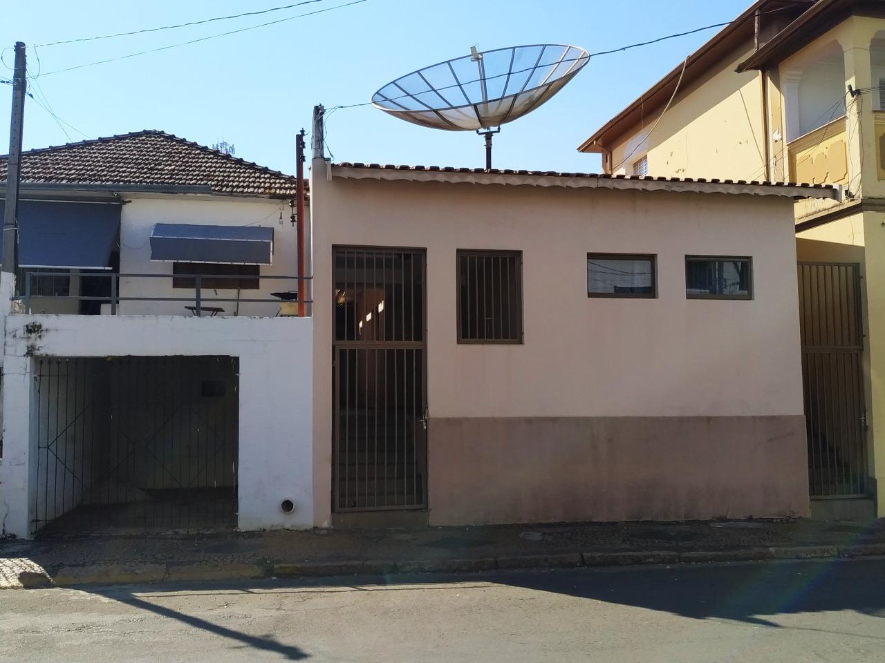 Casa para alugar, 4 quartos, 1 suíte, no bairro Centro em Rio das Pedras - SP