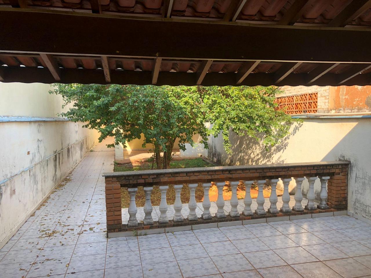 Casa para comprar, 2 quartos, 2 vagas, no bairro Cidade Alta em Piracicaba - SP
