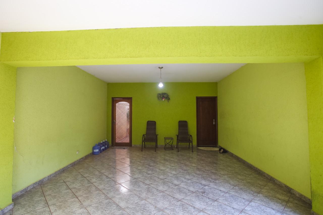 Casa para comprar, 3 quartos, 1 suíte, 4 vagas, no bairro Vila Rezende em Piracicaba - SP