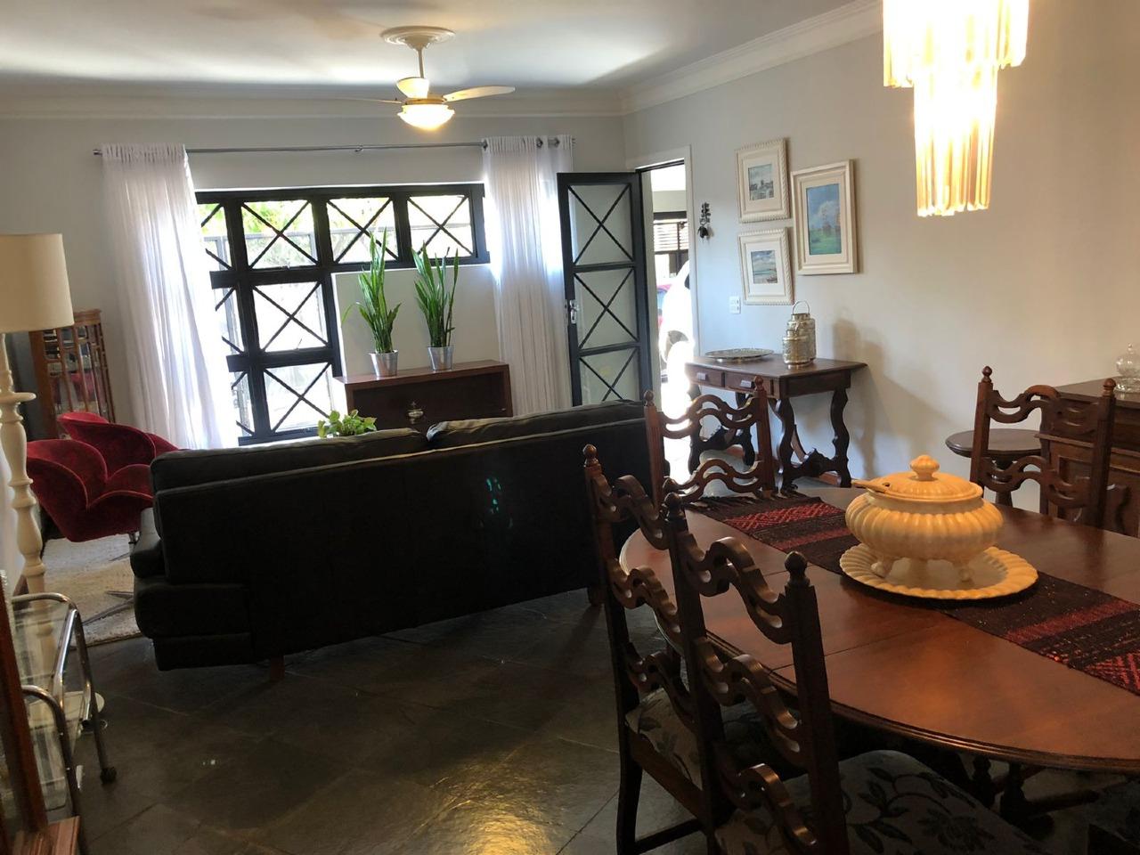 Casa para comprar, 4 quartos, 1 suíte, 2 vagas, no bairro Centro em Piracicaba - SP