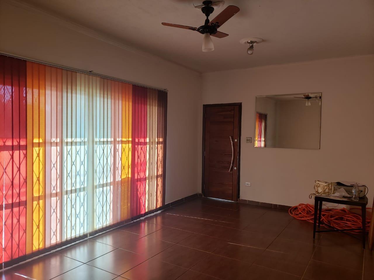 Casa para comprar, 2 quartos, 4 vagas, no bairro Paulista em Piracicaba - SP