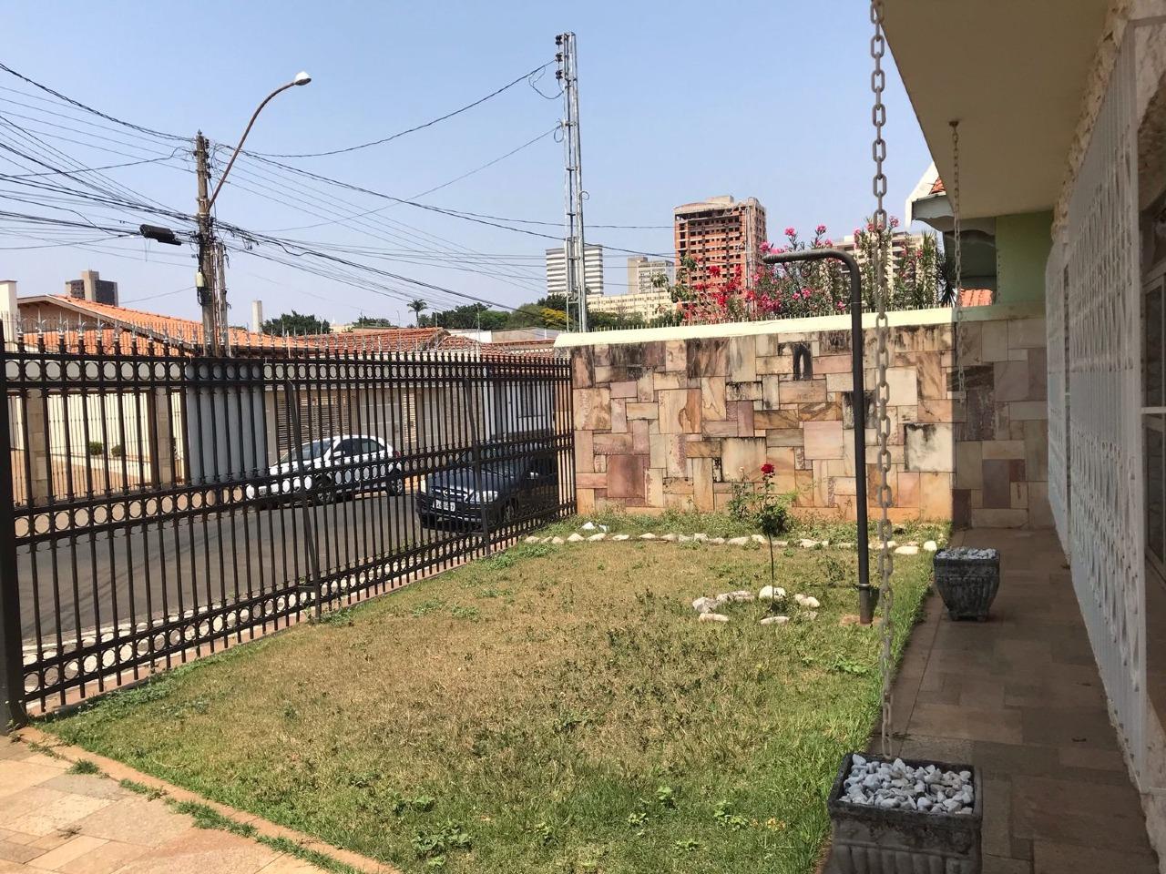 Casa para comprar, 4 quartos, 1 suíte, no bairro Cidade Alta em Piracicaba - SP