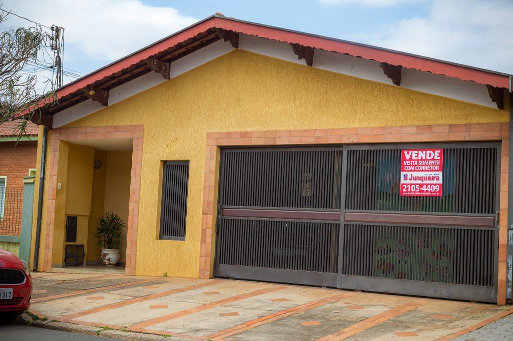 Casa para comprar, 5 quartos, 1 suíte, 2 vagas, no bairro Jardim Monumento em Piracicaba - SP