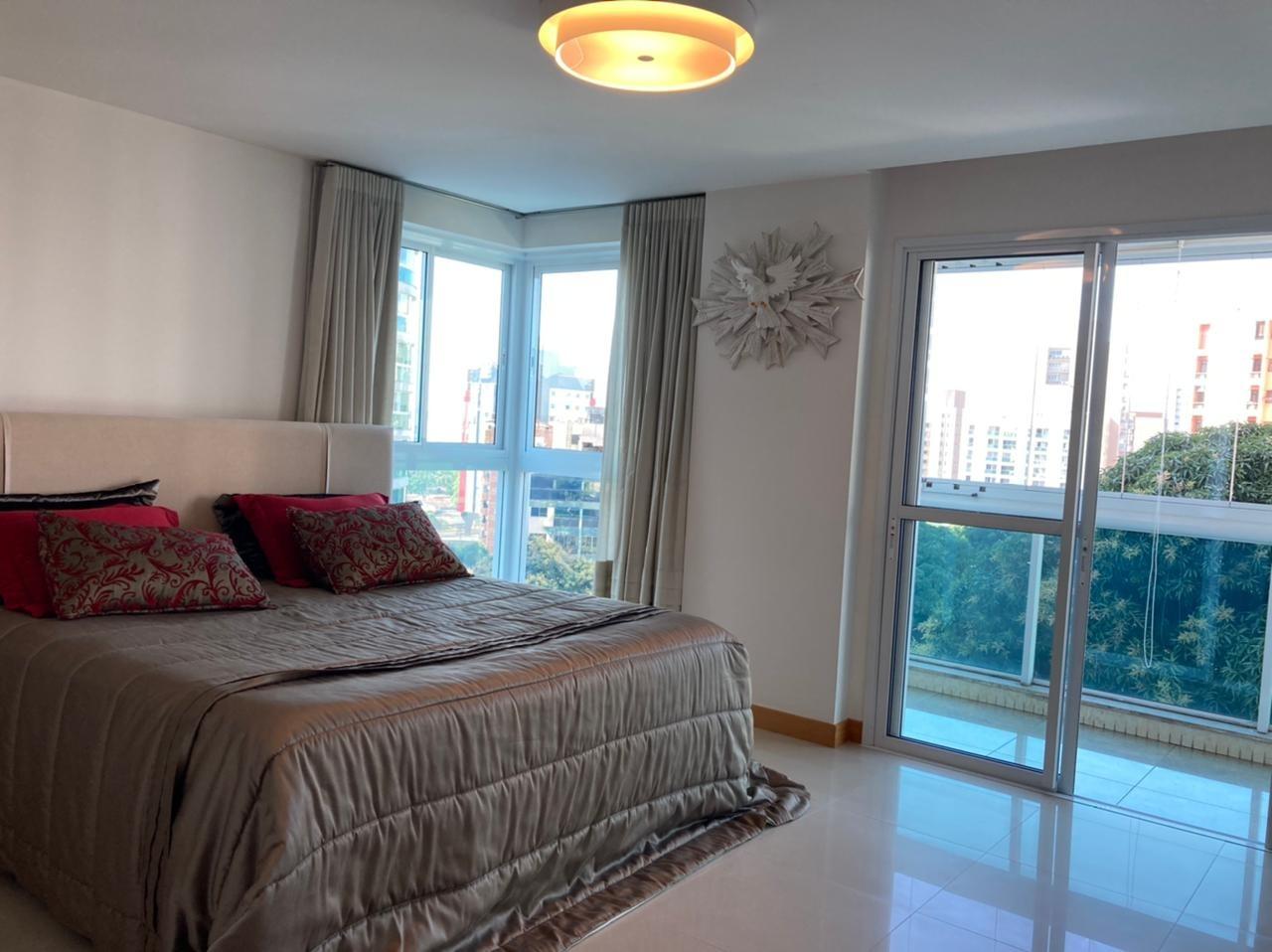Apartamento à venda no Barro Vermelho: