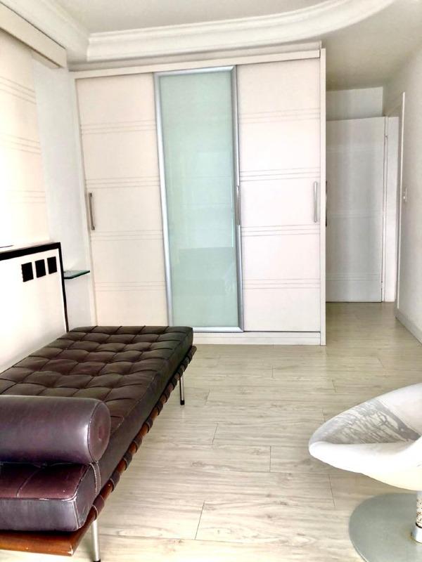 Apartamento à venda no Praia da Costa: