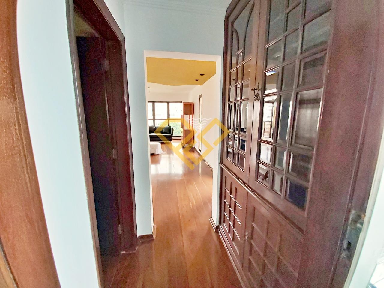 Apartamento à venda no Gonzaga: Hall de circulação