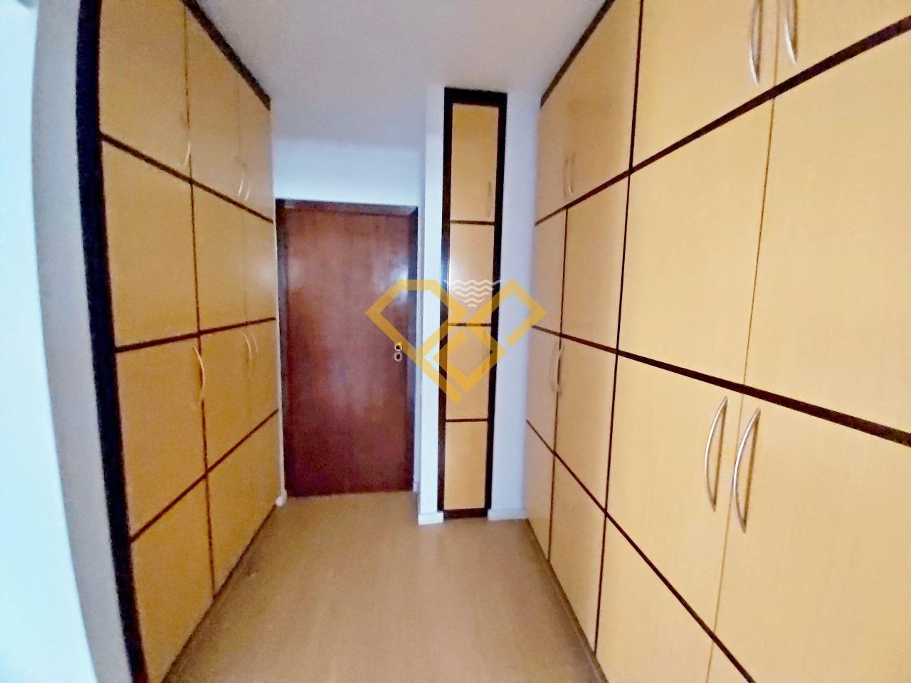 Apartamento à venda no Gonzaga: Suíte 1 - closet