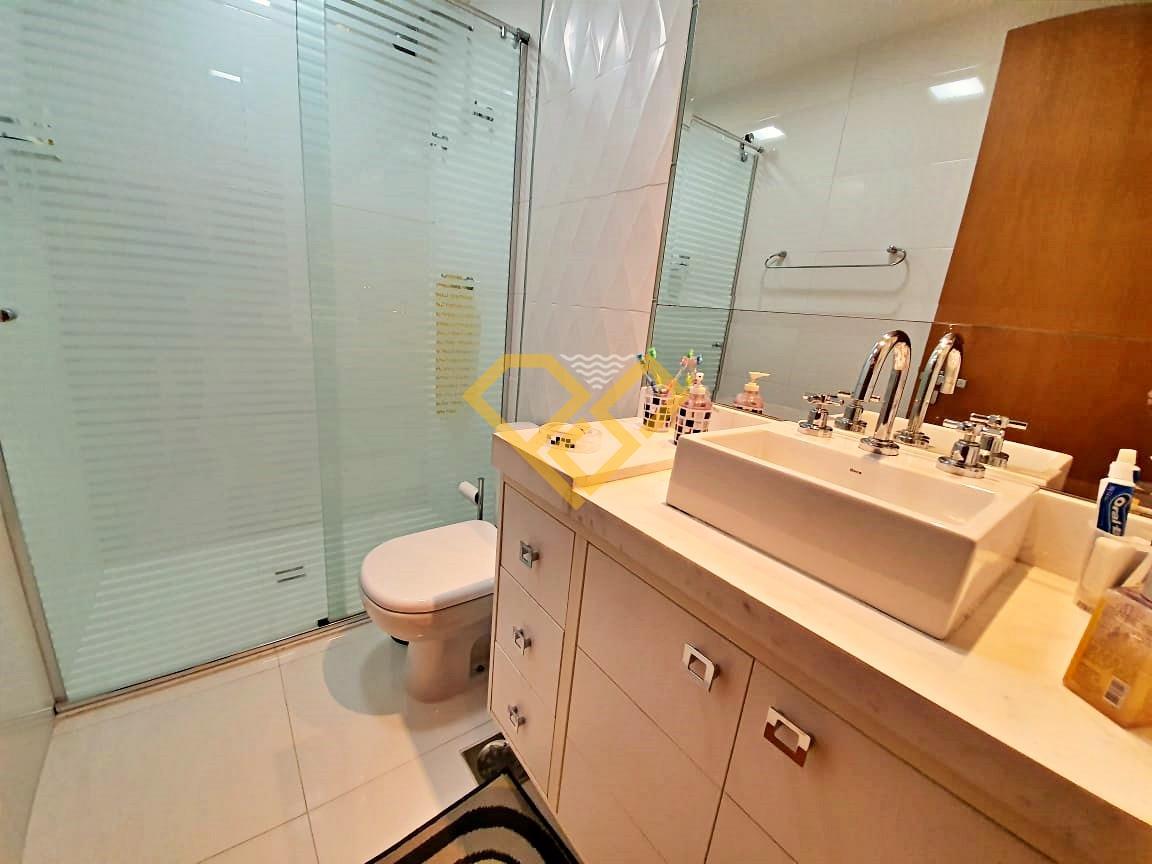 Apartamento à venda no Embaré: Wc da suíte 2