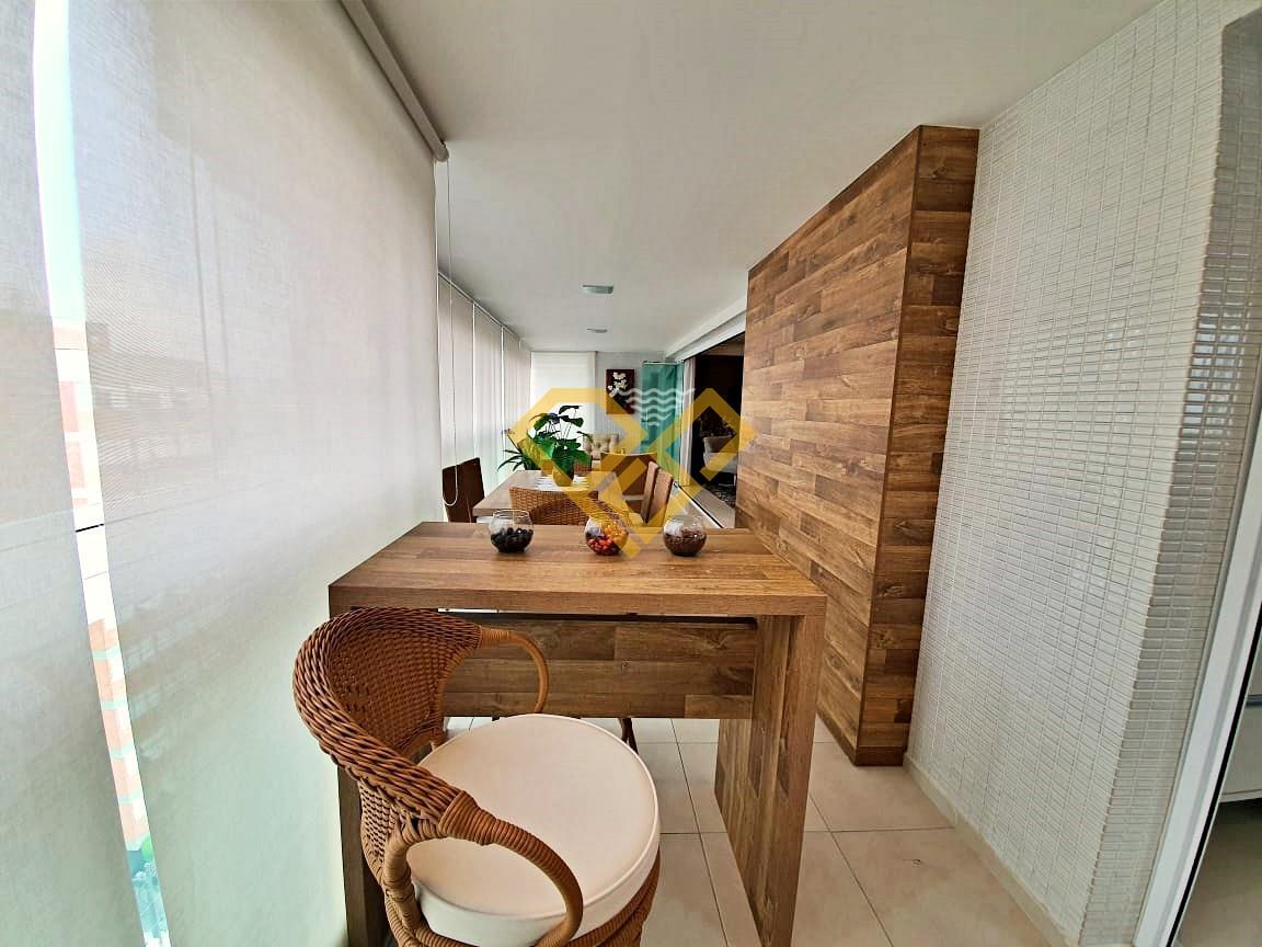 Apartamento à venda no Embaré: Varanda Gourmet