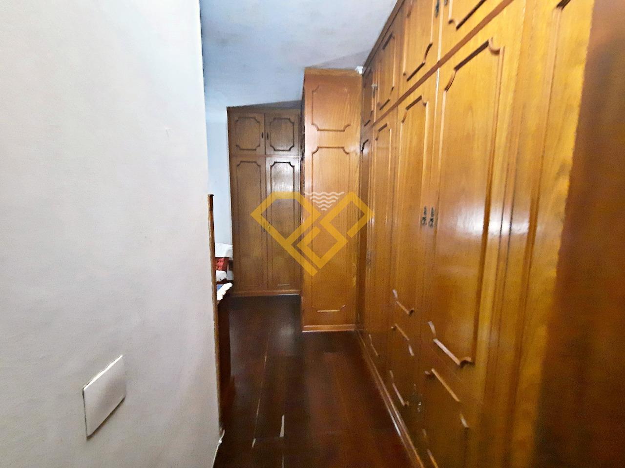 Apartamento à venda no Gonzaga: Closet suíte
