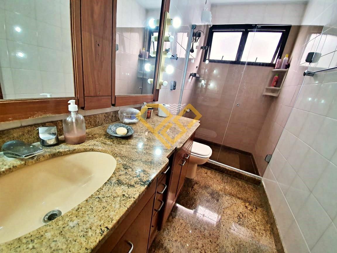 Apartamento à venda no Pompéia: Wc social